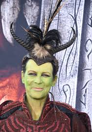 Halloween Jamie Lee Curtis Remake by Jamie Lee Curtis Isn U0027t Even In Warcraft But Her Cosplay
