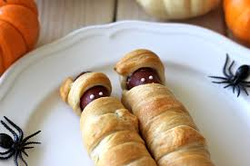 Halloween Hotdog Fingers by Mummy Dogs Damn Delicious