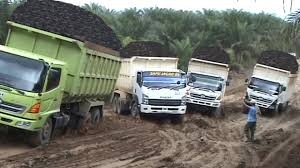 Epic Dump Truck Off Road In Extreme Roads | Crazy Dump Truck Driving ...