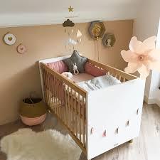 chambre bébé beige idée déco pour une pièce aux tons très doux