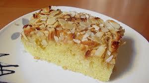 apfelkuchen mit marzipan und mandelblättchen