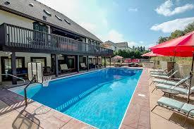 100 Taylorwood Resort N52W21488 Taylors Woods Dr Menomonee Falls WI 53051 MLS 1606078