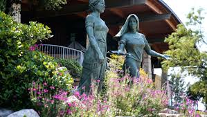 100 Angelos Landscape These Are The Women Immortalized Across
