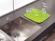tapis d evier de cuisine joseph joseph sink saver tapis d evier modulable gris