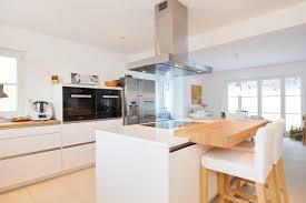 moderne küche offen mit kochinsel weiß holz küchen ideen