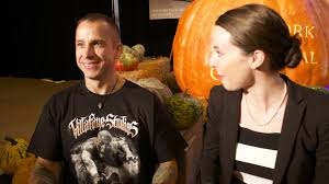 Ray Villafane Pumpkins by 1 Minute Pumpkin Carving Challenge With Ray Villafane Youtube