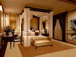 Romantic Four Poster Bedroom Ideas With Modern And Classic Touch Also Wooden Furniture On The Calm
