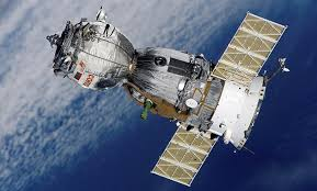 HOW DO AMERICAN ASTRONAUTS FLY TO THE ISS AND BACK