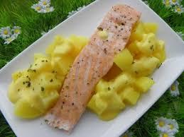 paves de saumon pomme de terre vapeur a la sauce hollandaise