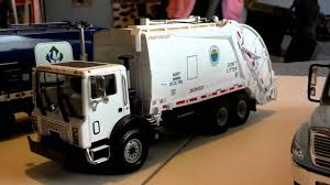 First Gear Garbage Trucks - YouTube