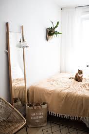 kleines schlafzimmer großer staurraum so geht s