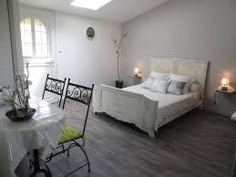 louer chambre d hotel au mois cuisine chambre d hã tes ã dompierre sur mer personnes location