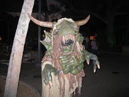Busch Gardens Halloween busch garden u0027s howl o scream goes to the dark side cbs tampa