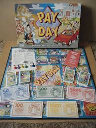 PAYDAY Everyones After Your Hard Earned Cash Board Game 2002 Complete