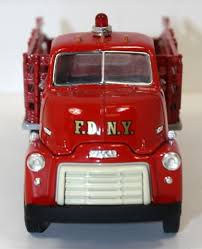 100 First Fire Truck Gear FDNY 1952 GMC Oxygen Therapy Unit 134th Scale