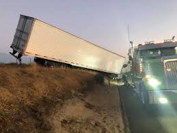100 Merced Truck And Trailer Clovis Trucker Crashes On Highway 99 In County Causing Major
