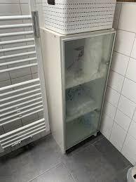 badezimmer schrank weiß hochglanz milchglas ikea