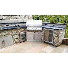 eck outdoorküche mit napoleon grill kühlschrank und
