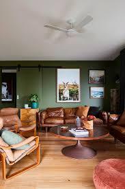wohnzimmer in braun und grün mit bild kaufen 12607344