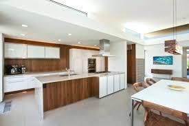 cuisine moderne blanche et cuisine contemporaine blanche et bois idées décoration intérieure
