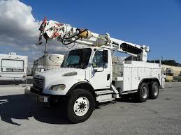 100 Derrick Trucks 2004 Freightliner M2106 Altec D2050TR Digger 11823
