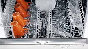 les 8 trucs que vous ne devriez pas mettre dans le lave vaisselle