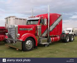 Peterbilt Stock Photos & Peterbilt Stock Images - Alamy Used Peterbilt Trucks For Sale 389 Daycab Saleporter Truck Sales Houston Tx 386 For Arkansas Porter Texas Youtube 379 In Nebraska Best Resource 378 Tx 2005 Peterbilt Ext Hood With Rare Ultra Sleeper For Sale Wikipedia 1998 Semi Truck Item Ei9506 Sold February 1995 Bj9835 Dump Canada 2001 Bj9836 Sleepers In