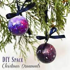 Adventures In Decorating Christmas by Adventure In A Box Crafting Fun For The Family