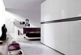 placard chambre à coucher l armoire dressing dans la chambre à coucher moderne grande