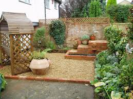 Diy Pea Gravel Patio Ideas by Decor U0026 Tips Outdoor Bench With Pea Gravel Patio And Small Pond