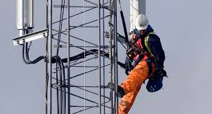 5 terrifying realities of my as a cell tower climber
