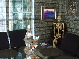 Halloween Cubicle Decorating Themes by Ideas 37 Spooky House Decor For Halloween Cubicle Decorating
