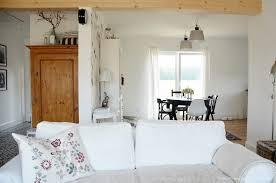 nordischer landhausstil im wohnzimmer bellas herzenssachen
