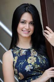 Kriti Kharbanda to make Bollywood Debut with Raaz 4