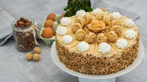 italienische giotto torte mit haselnüssen und sahne