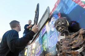 Halloween Haunt Worlds Of Fun Jobs by Mount Airy Families Build Elaborate Haunted House Each Year