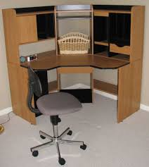 Corner Computer Desk With Hutch by Corner Computer Desk For Your Compact Working Space Stanleydaily Com