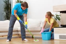wohnzimmer richtig putzen putzen net