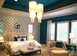 chambre tapisserie deco 1001 idées pour une chambre bleu canard pétrole et paon sublime