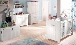 chambre bébé bois table à langer bébé catalogne bois massif blanc mobilier chambre bébés