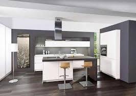 preiswerte küchen ideen moderne küche küche mit kochinsel