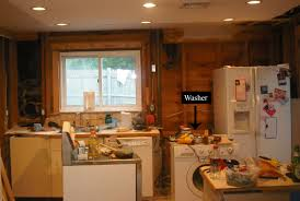 Grand Walk In Kitchen And Grill 47 Small Home Ideas