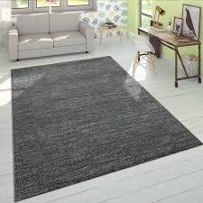 kurzflor teppich einfarbig anthrazit wohnzimmer