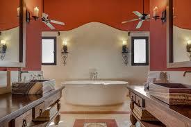 spanische badezimmer bringen meditarranen hauch ins haus