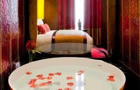 hotel avec bain a remous dans la chambre 5 hôtels romantiques à avec baignoire sexyhotelsparis