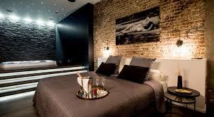 chambre et sauna brüssel hotelzimmers am tage