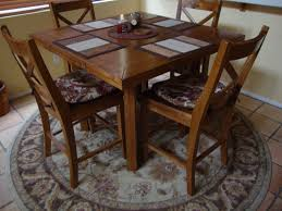 Yes A Square Table Does Go Well On Round Rug