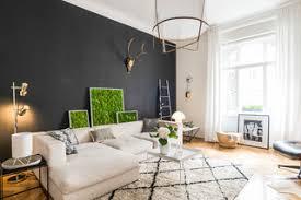 75 wohnzimmer mit schwarzer wandfarbe ideen bilder