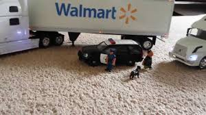 1:32 Scale Walmart Trucks Gets Pulled Over Along With USPS An The ... Long Haul Trucker Newray Toys Ca Inc 132 Scale Custom Fedex Hooking Up Pups Youtube Tamiya 110 Team Hahn Racing Man Tgs 4wd Semi Truck Kit Ford Aeromax Tractor Snaptite Model Monogram 1216 1 Peterbilt Italeri 125 Weathered Model Ideas Pinterest Trucks Big Rigs Tonkin Dcp Post Them Up Page 11 Hobbytalk Amazoncom Ertl Farm 579 With John Deere 4 Super B Train Bottom Dumpers 379 Longhood Model Trucks Diecast Tufftrucks Australia Siku Control Rc Us Trailer In Auflieger Im 6204dwellyfreightlinercolumbiaactortruck132diecast Bevro Intertional Webshop