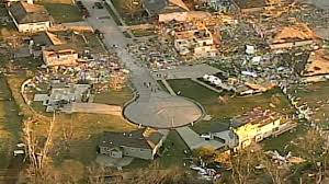 100 Homes In Kansas City Tornadoes Storms Damage Nearly 500 Homes Businesses In